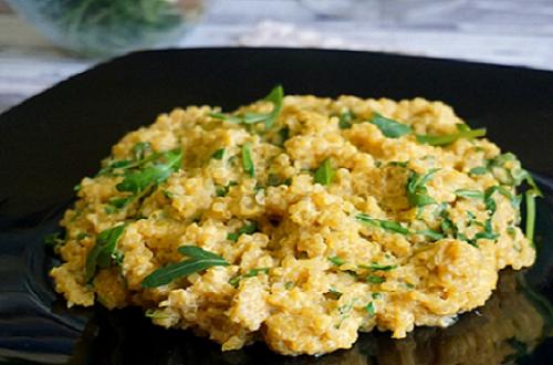 Risoto vegano de quinoa com abóbora: super cremoso e colorido