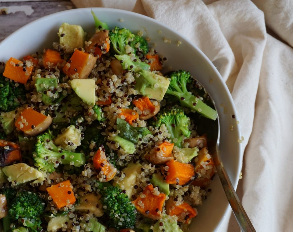 Quinoa Salad With Roasted Butternut Squash Broccoli And Avocado A Complete Vegan Meal Vegan Colors