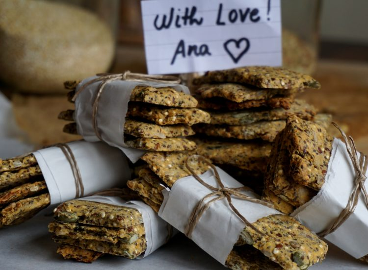Vegan crackers with seeds and gluten-free